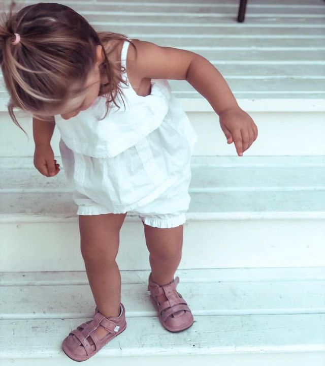 Another giveaway opportunity?! We're in :) Jack & Lily teamed up with @raisingcostellos for a summer giveaway! You'll have a chance to win a pair of J&L shoes. Checkout their page to enter✨🤩💕  #jackandlilyshoes #babyshoes #collab #giveaway #summerishere
