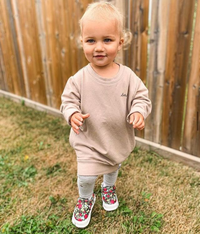 Fit check! This cuties outfit paired with J&L shoes is perfect for the summer to fall season ✨   📸 @arielle.rechner  #jackandlilyshoes #babyshoes #fitcheck #falliscoming